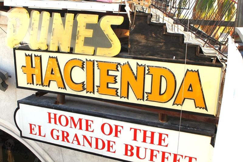 Hammargren Las Vegas signs