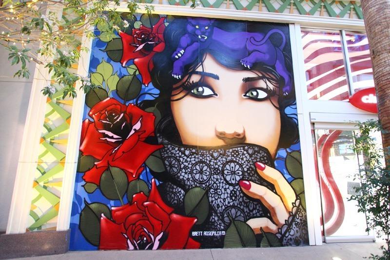 Linq mall mural
