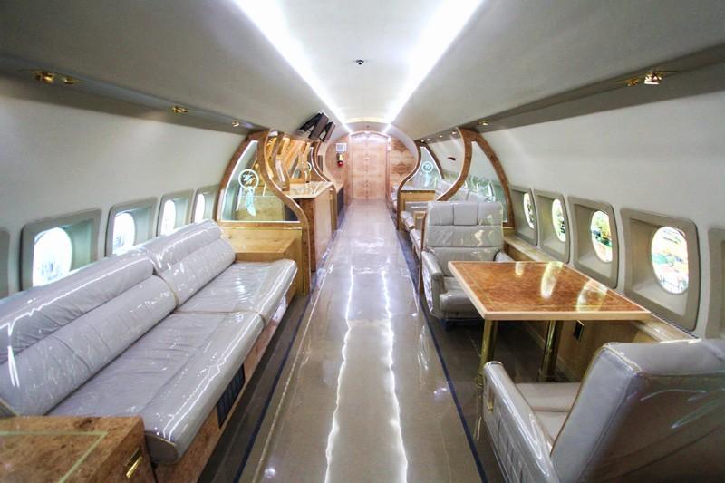 Wayne Newton private jet