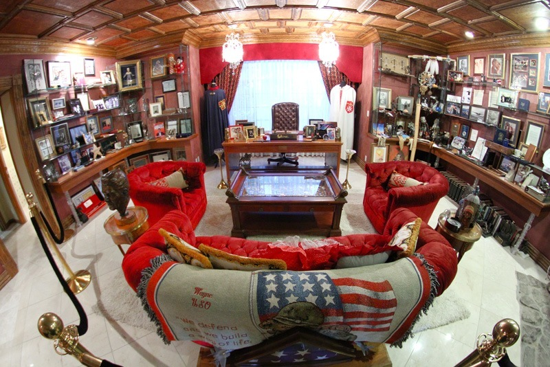 Wayne Newton Red Room