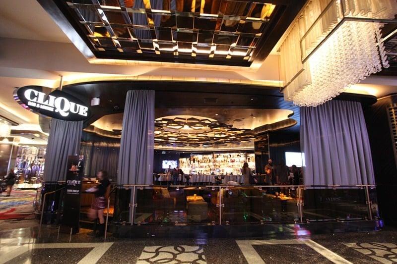 Clique Bar & Lounge Cosmopolitan
