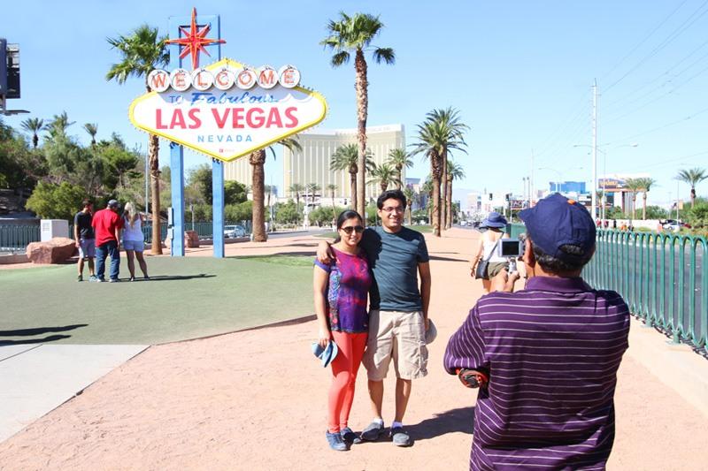 Las Vegas sign photos