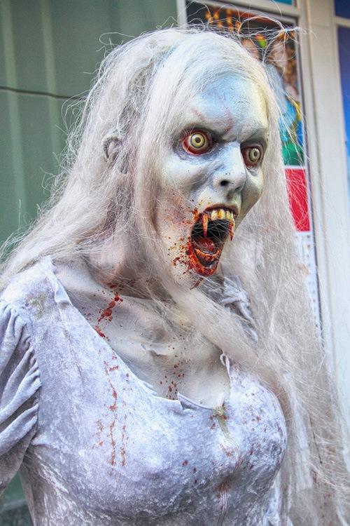 Linq promenade vampire