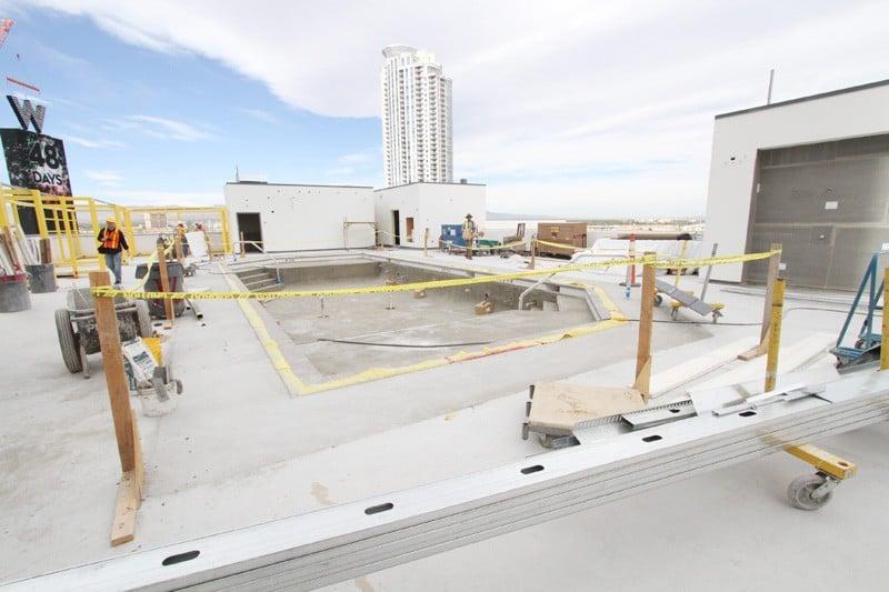 W Las Vegas Wet deck