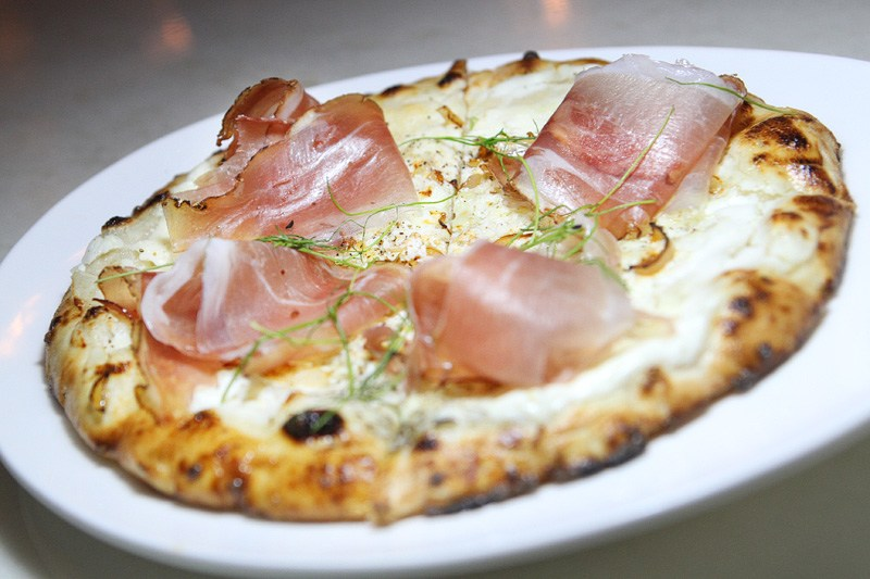 Lago at Bellagio pizza