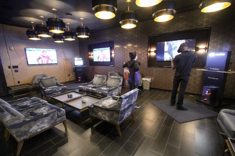 Alto virtual reality lounge