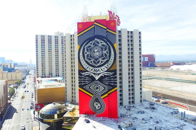 Plaza mural