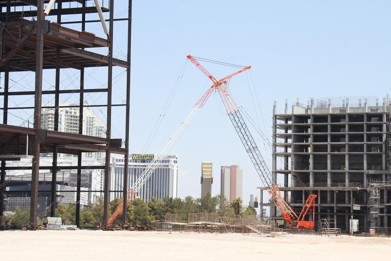 Resorts World crane