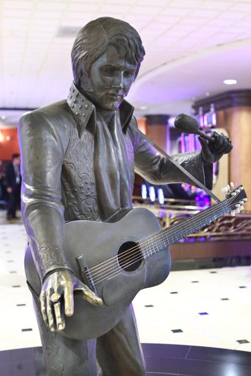 Westgate Las Vegas Elvis statue