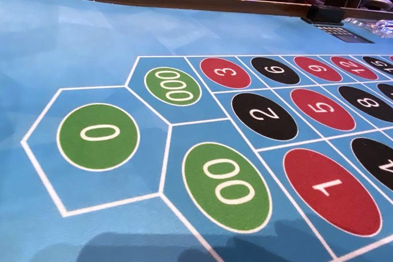 Triple zero roulette Linq