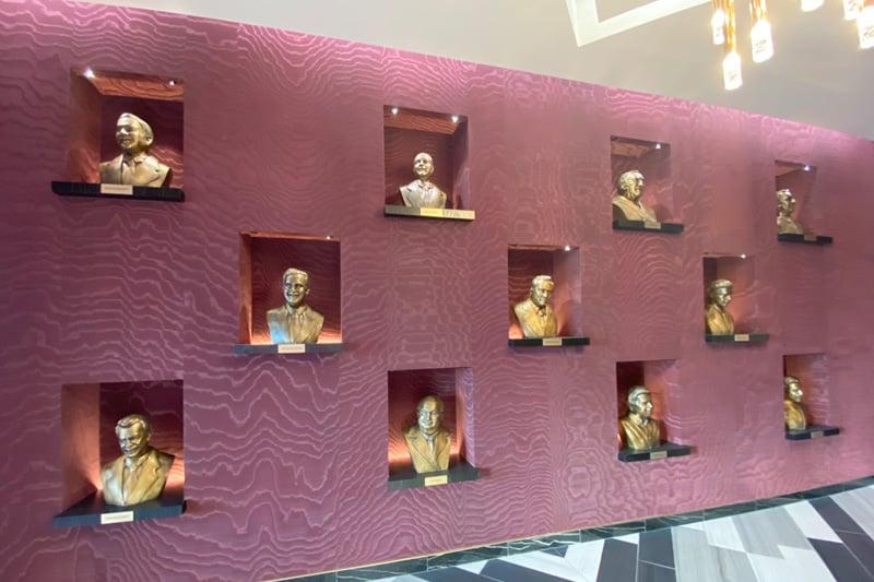 Circa busts